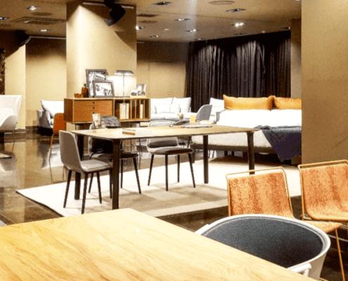 sala con muebles